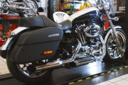Hohmann adjustable exhaust Sportster 883;  Year built. from 2014; presented byKern
